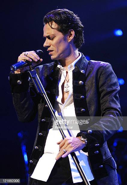 Singer Marc Anthony performs during the 'En Concierto' tour on November 7 2007 in Miami Florida