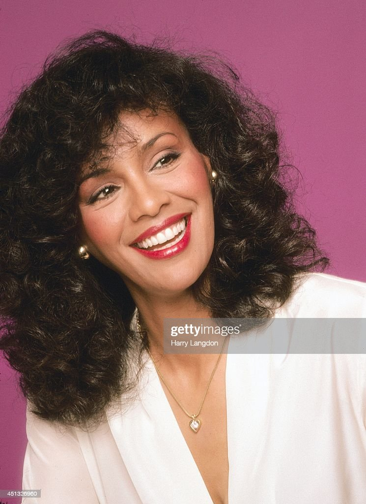Singer Marilyn McCoo poses for a portrait in 1981 in Los Angeles, California.