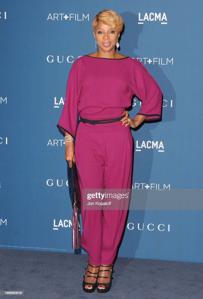 Singer <a gi-track='captionPersonalityLinkClicked' href=/galleries/search?phrase=Mary+J.+Blige&family=editorial&specificpeople=171124 ng-click='$event.stopPropagation()'>Mary J. Blige</a> arrives at LACMA 2013 Art + Film Gala at LACMA on November 2, 2013 in Los Angeles, California.