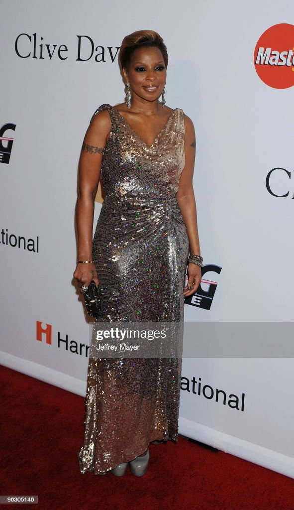 Singer Mary J Blige arrives at the 2010 PreGrammy Gala Salute To Industry Icons at Beverly Hills Hilton on January 30 2010 in Beverly Hills California