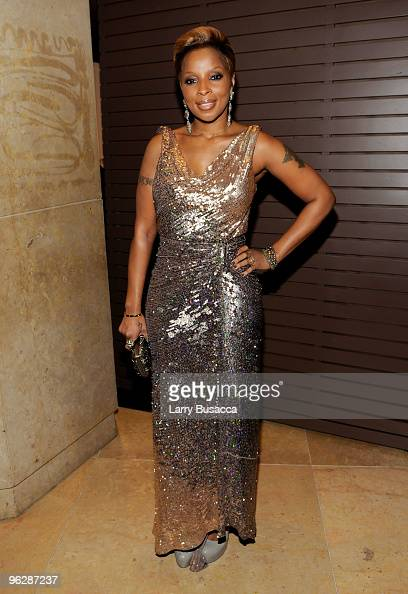 Singer Mary J Blige arrives at the 52nd Annual GRAMMY Awards Salute To Icons Honoring Doug Morris held at The Beverly Hilton Hotel on January 30 2010...