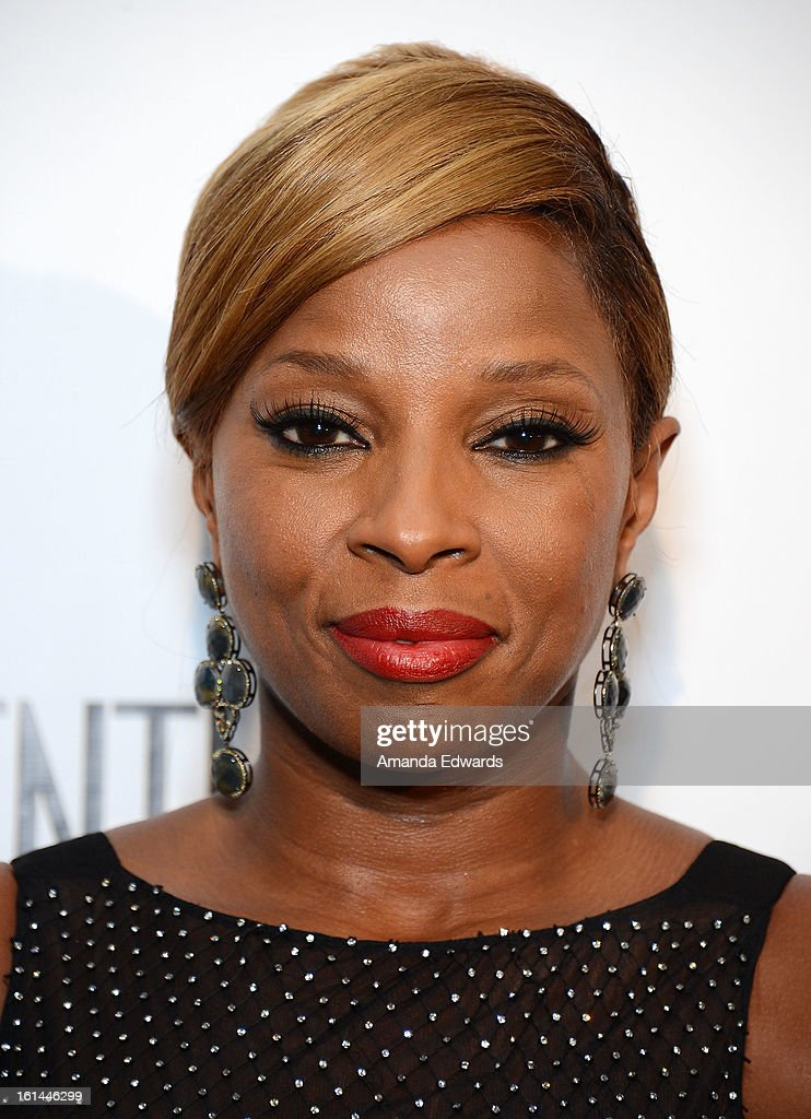 Singer <a gi-track='captionPersonalityLinkClicked' href=/galleries/search?phrase=Mary+J.+Blige&family=editorial&specificpeople=171124 ng-click='$event.stopPropagation()'>Mary J. Blige</a> arrives at the Los Angeles Confidential and Harmony Project GRAMMY after party honoring <a gi-track='captionPersonalityLinkClicked' href=/galleries/search?phrase=Mary+J.+Blige&family=editorial&specificpeople=171124 ng-click='$event.stopPropagation()'>Mary J. Blige</a> at Elevate Lounge on February 10, 2013 in Los Angeles, California.
