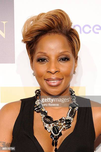 Singer Mary J Blige attends Hope Help Relief Haiti 'A Night Of Humanity' at Urban Zen on February 8 2010 in New York City