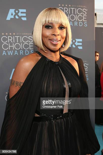 Singer Mary J Blige attends the 21st Annual Critics' Choice Awards at Barker Hangar on January 17 2016 in Santa Monica California