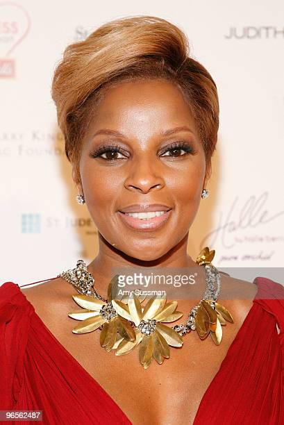 Singer Mary J Blige attends the 7th annual Woman's Day Red Dress Awards at Frederick P Rose Hall Jazz at Lincoln Center on February 10 2010 in New...