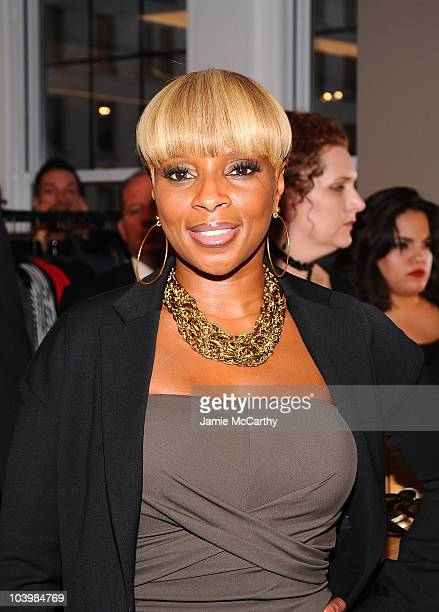 Singer Mary J Blige attends the Bergdorf Goodman celebration of Fashion's Night Out at Bergdorf Goodman on September 10 2010 in New York City