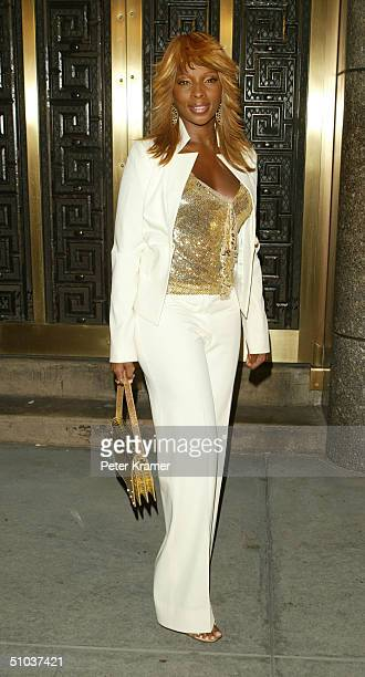 Singer Mary J Blige attends the John Kerry and John Edwards 2004 Victory Concert on July 8 2004 at Radio City Music Hall in New York City