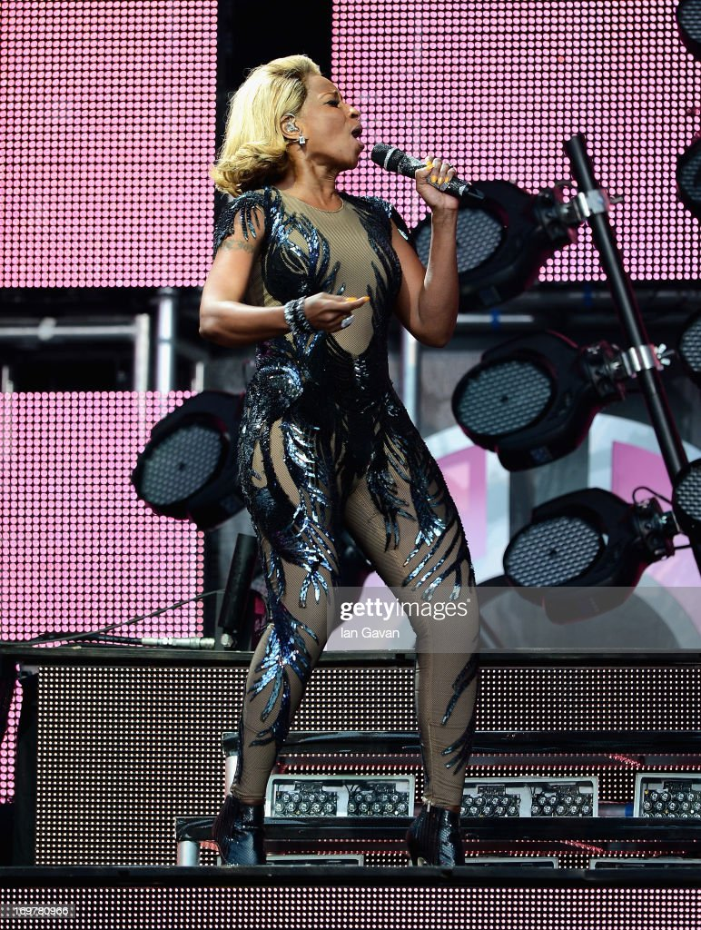 Singer Mary J Blige performs on stage at the 'Chime For Change: The Sound Of Change Live' Concert at Twickenham Stadium on June 1, 2013 in London, England. Chime For Change is a global campaign for girls' and women's empowerment founded by Gucci with a founding committee comprised of Gucci Creative Director Frida Giannini, Salma Hayek Pinault and Beyonce Knowles-Carter.