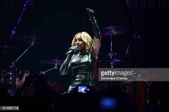 Singer Mary J Blige performs onstage during amfAR's 22nd Cinema Against AIDS Gala Presented By Bold Films And Harry Winston at Hotel du CapEdenRoc on...
