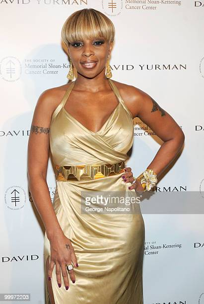 Singer Mary JBlige attends the 3rd Annual Society Of Memorial SloanKettering Cancer Center's Spring Ball at The Pierre Hotel on May 18 2010 in New...
