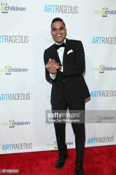 Singer Maxwell attends 2017 ARTrageous Gala Dinner at Cipriani 25 Broadway on November 6 2017 in New York City