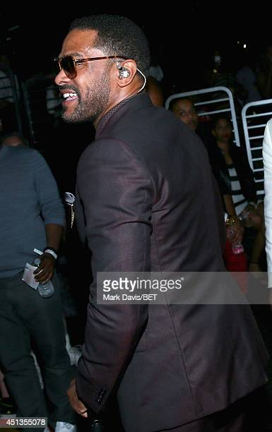 Singer Maxwell backstage at the Maxwell Jill Scott Marsha Ambrosius and Candice Glover concert during the 2014 BET Experience At LA LIVE at Staples...