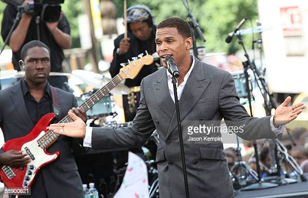 Singer Maxwell performs on CBS' 'The Early Show' at CBS Early Show Studio Plaza on July 8 2009 in New York City