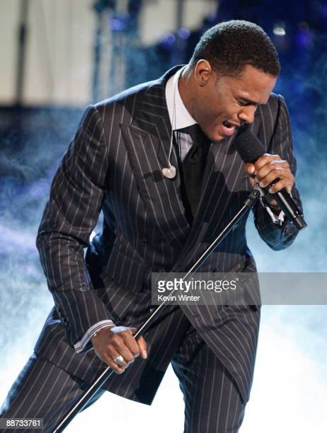 Singer Maxwell performs onstage during the 2009 BET Awards held at the Shrine Auditorium on June 28 2009 in Los Angeles California