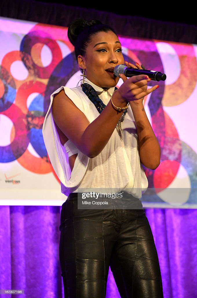 Singer <a gi-track='captionPersonalityLinkClicked' href=/galleries/search?phrase=Melanie+Fiona&family=editorial&specificpeople=5543211 ng-click='$event.stopPropagation()'>Melanie Fiona</a> attends the A Day To Connect, Inspire And Heal Summit on February 21, 2013 in New York City.