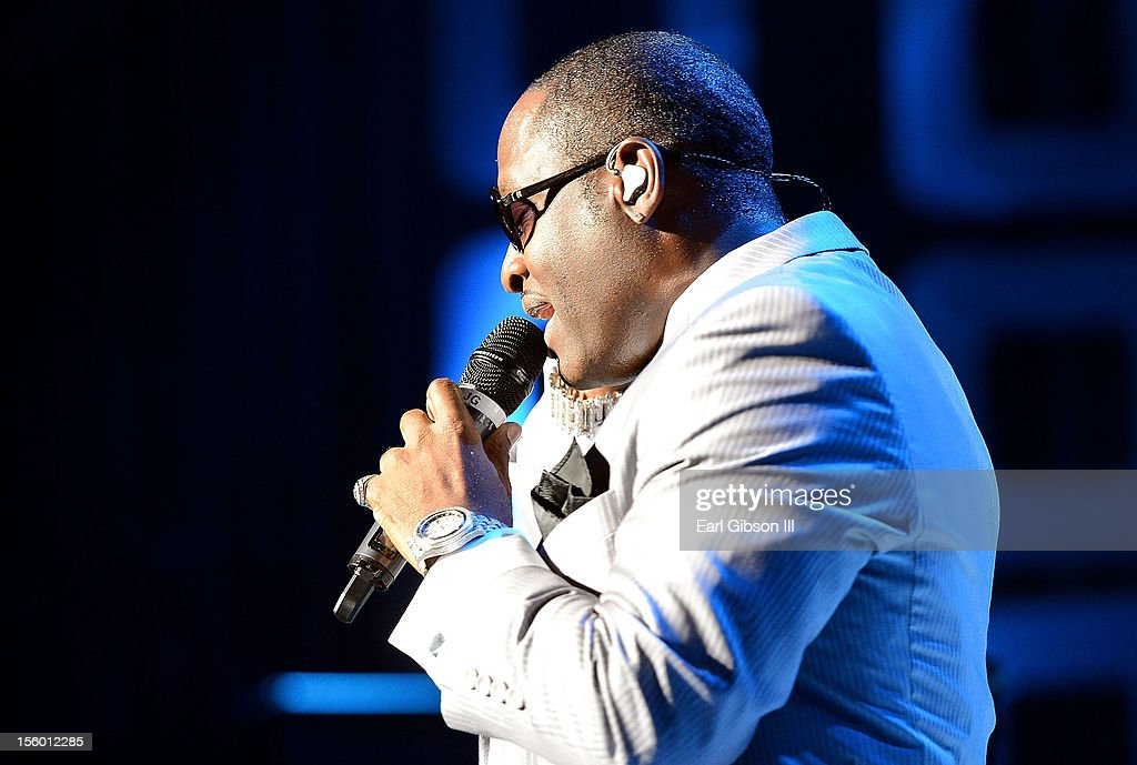 Singer Michael Bivins performs with New Edition at Soul Train Awards Weekend Live in Concert at PH Live at Planet Hollywood Resort & Casino on November 10, 2012 in Las Vegas, Nevada.