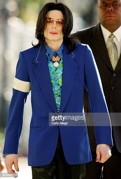 Singer Michael Jackson arrives at Santa Maria Superior Court before testimony in his child molestation trial March 16 2005 in Santa Maria California...