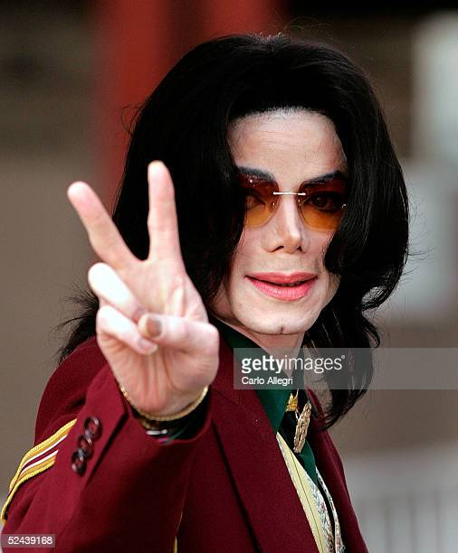 Singer Michael Jackson arrives at the Santa Maria Superior Court for testimony during the third week of his child molestation trial March 17 2005 in...