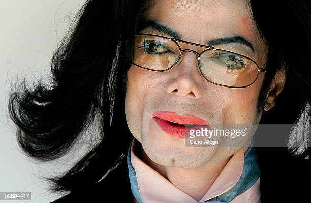 Singer Michael Jackson departs early from the Santa Barbara County courthouse at the end of the sixth week of his trial April 8 2005 in Santa Maria...