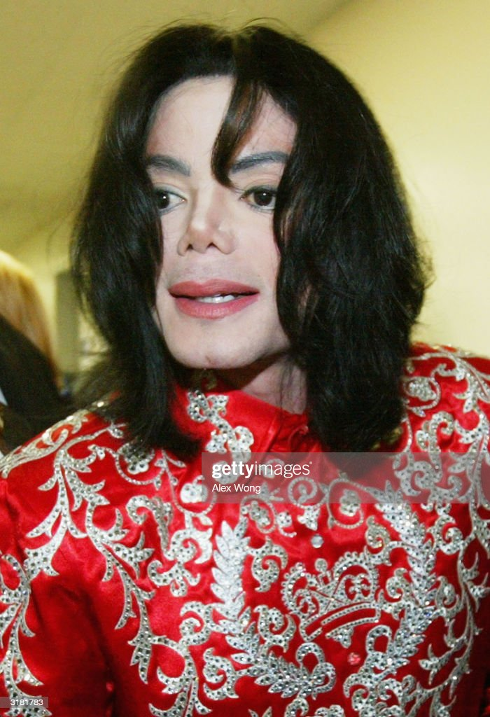 Singer Michael Jackson leaves Capitol Hill after a meeting with Rep Sheila Jackson Lee March 31 2004 in Washington DC Jackson was on Capitol Hill to...