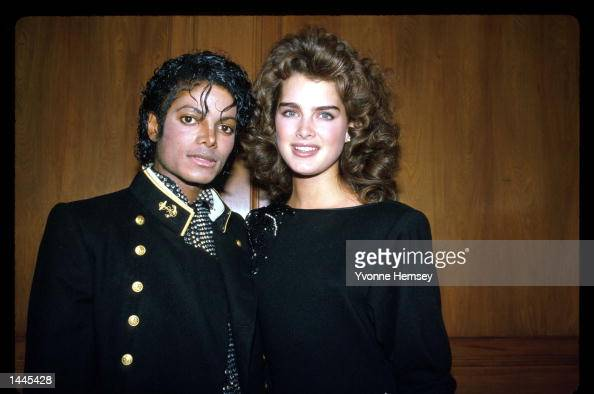 Singer Michael Jackson poses with friend and actress Brooke Shields February 7 1984 in the USA Jackson is recuperating from severe scalp burns...