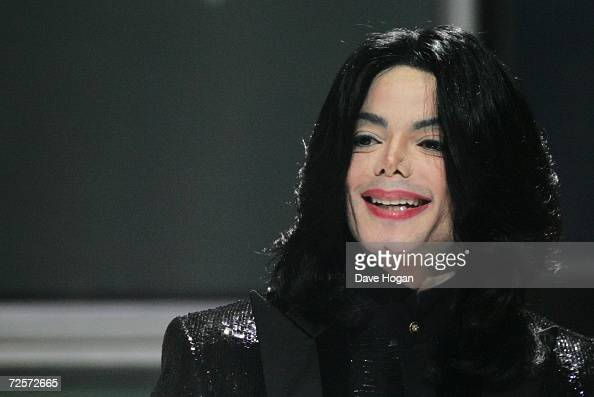 Singer Michael Jackson recieves the Diamond Award on stage during the 2006 World Music Awards at Earls Court on November 15 2006 in London