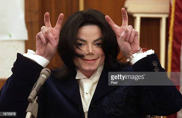 Singer Michael Jackson testifies during his civil trial in Santa Maria Superior Court on December 3 2002 in Santa Maria California The artist is...