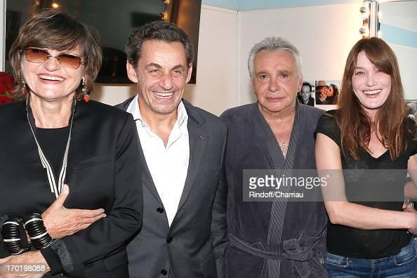 Michel Sardou In Concert At L'Olympia : Photo d'actualité