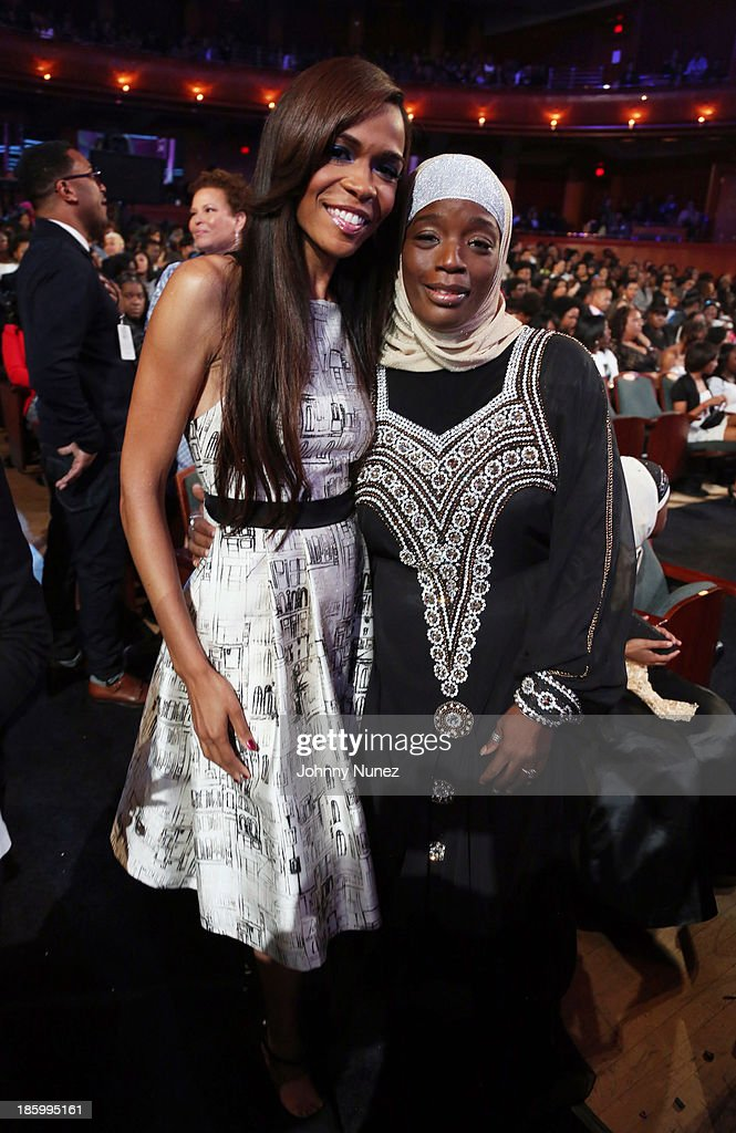 Singer Michelle Williams and activist Ameena Matthews attend Black Girls Rock! 2013 at New Jersey Performing Arts Center on October 26, 2013 in Newark, New Jersey.