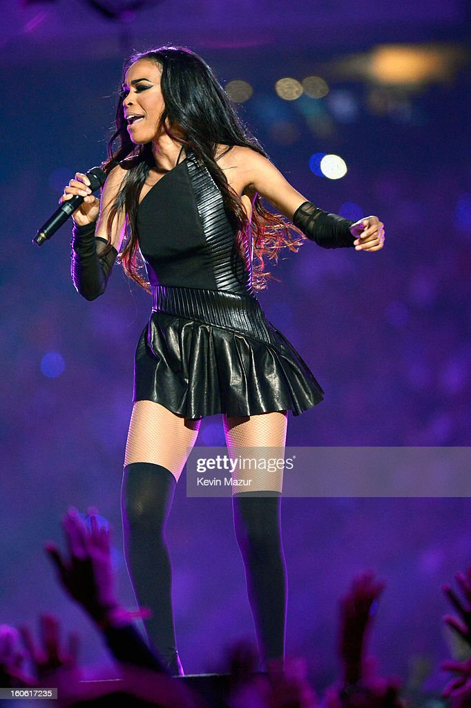 Singer Michelle Williams of Destiny's Child performs during the Pepsi Super Bowl XLVII Halftime Show at Mercedes-Benz Superdome on February 3, 2013 in New Orleans, Louisiana.