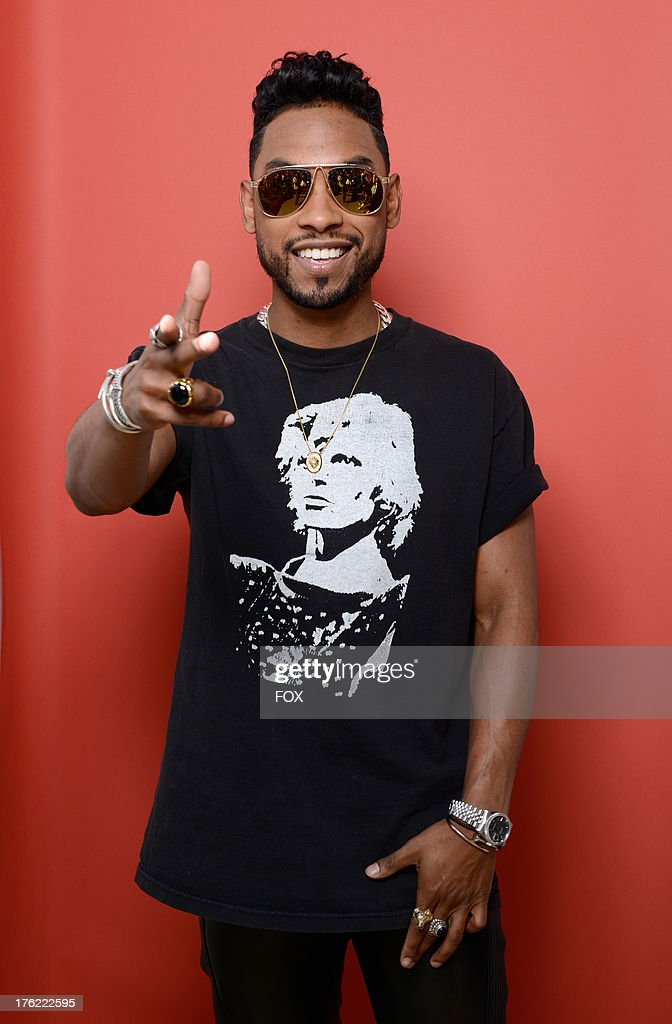Singer <a gi-track='captionPersonalityLinkClicked' href=/galleries/search?phrase=Miguel+-+Cantor&family=editorial&specificpeople=8842866 ng-click='$event.stopPropagation()'>Miguel</a> attends Fox Teen Choice Awards 2013 held at the Gibson Amphitheatre on August 11, 2013 in Los Angeles, California.