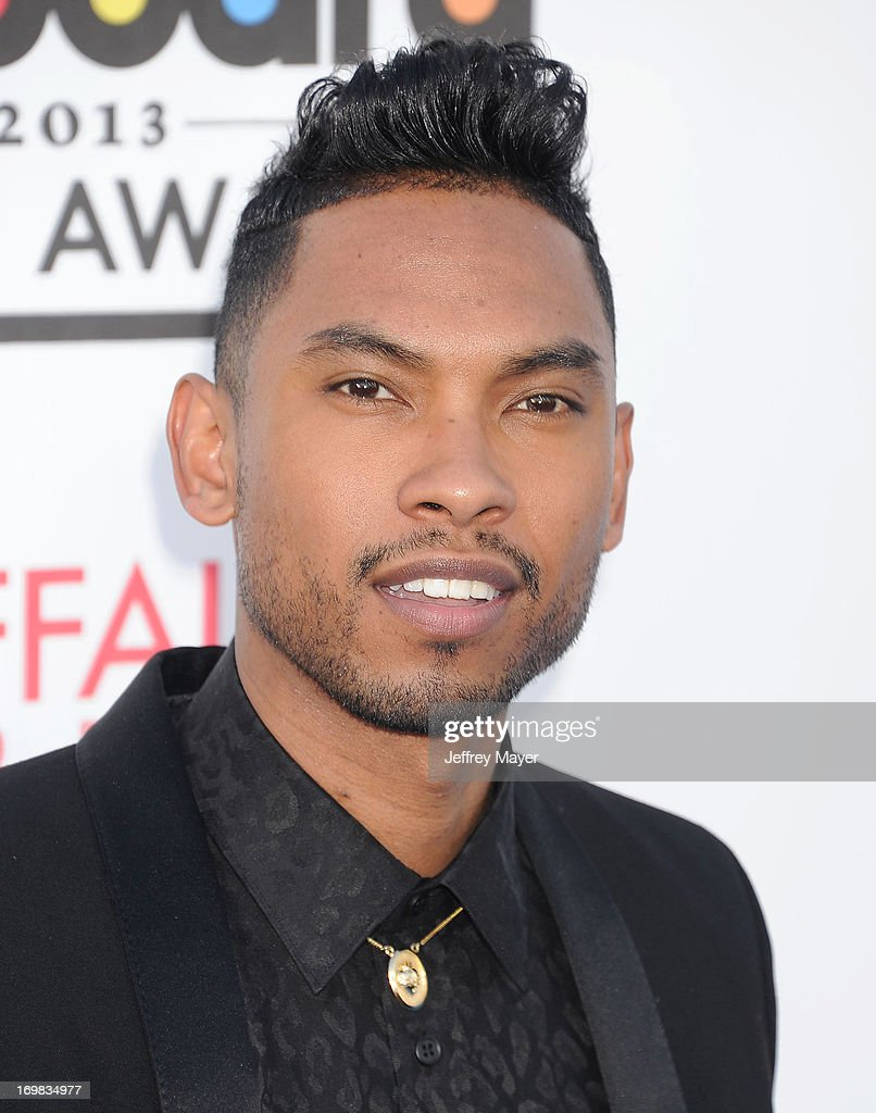 Singer <a gi-track='captionPersonalityLinkClicked' href=/galleries/search?phrase=Miguel+-+Cantante&family=editorial&specificpeople=8842866 ng-click='$event.stopPropagation()'>Miguel</a> Jontel Pimentel arrives at the 2013 Billboard Music Awards at the MGM Grand Garden Arena on May 19, 2013 in Las Vegas, Nevada.