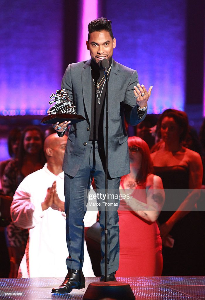 Singer <a gi-track='captionPersonalityLinkClicked' href=/galleries/search?phrase=Miguel+-+Singer&family=editorial&specificpeople=8842866 ng-click='$event.stopPropagation()'>Miguel</a> with his award at the Soul Train Awards 2012 at PH Live at Planet Hollywood Resort and Casino on November 8, 2012 in Las Vegas, Nevada.