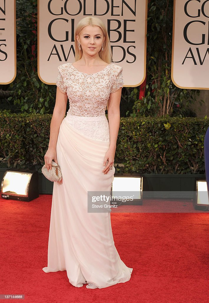 Singer Mika Newton arrives at the 69th Annual Golden Globe Awards held at the Beverly Hilton Hotel on January 15, 2012 in Beverly Hills, California.