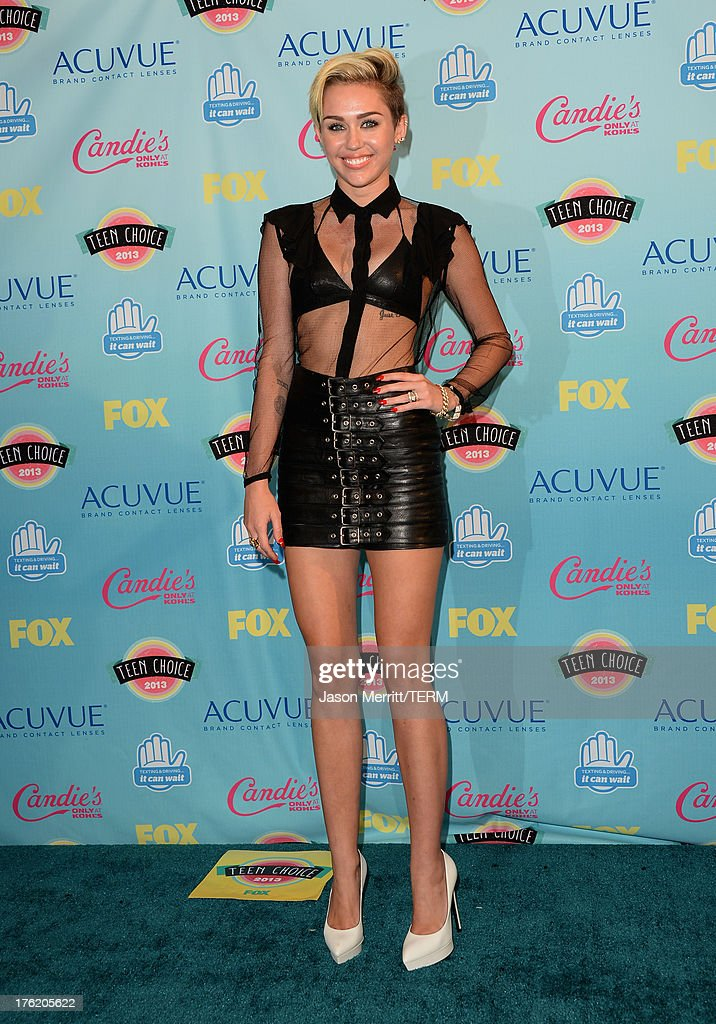 Singer <a gi-track='captionPersonalityLinkClicked' href=/galleries/search?phrase=Miley+Cyrus&family=editorial&specificpeople=3973523 ng-click='$event.stopPropagation()'>Miley Cyrus</a> attends the Teen Choice Awards 2013 at Gibson Amphitheatre on August 11, 2013 in Universal City, California.