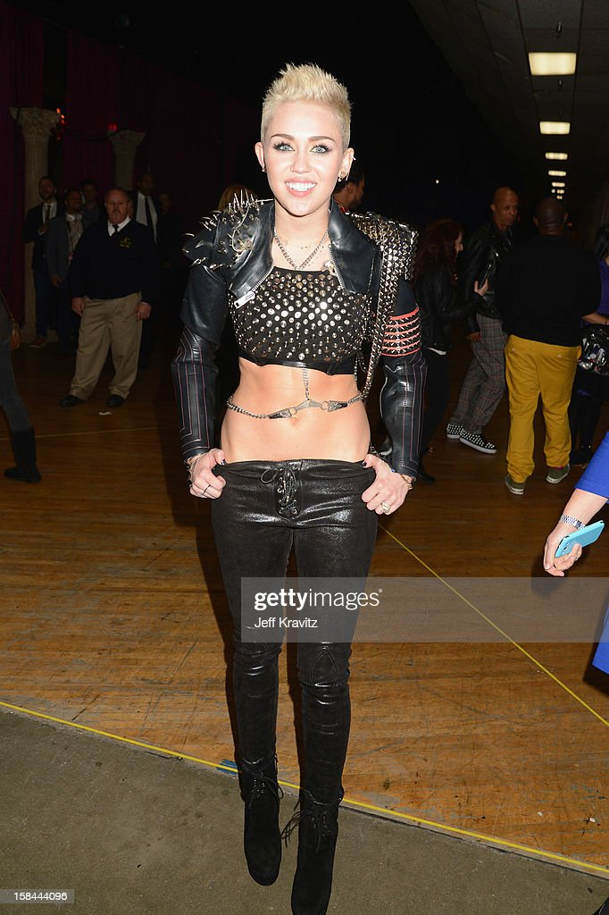 Singer <a gi-track='captionPersonalityLinkClicked' href=/galleries/search?phrase=Miley+Cyrus&family=editorial&specificpeople=3973523 ng-click='$event.stopPropagation()'>Miley Cyrus</a> attends 'VH1 Divas' 2012 at The Shrine Auditorium on December 16, 2012 in Los Angeles, California.