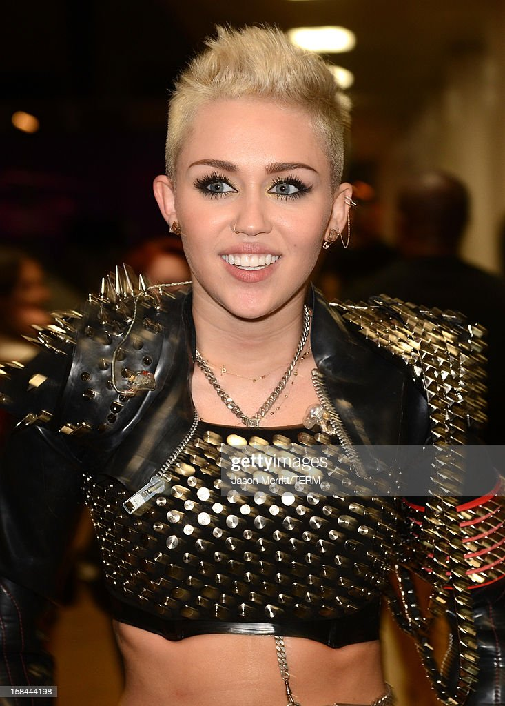 Singer <a gi-track='captionPersonalityLinkClicked' href=/galleries/search?phrase=Miley+Cyrus&family=editorial&specificpeople=3973523 ng-click='$event.stopPropagation()'>Miley Cyrus</a> attends 'VH1 Divas' 2012 held at The Shrine Auditorium on December 16, 2012 in Los Angeles, California.