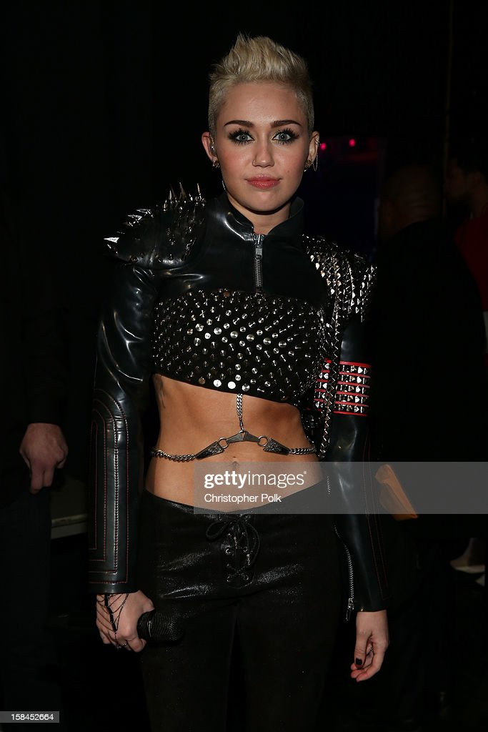 Singer Miley Cyrus backstage during 'VH1 Divas' 2012 at The Shrine Auditorium on December 16, 2012 in Los Angeles, California.