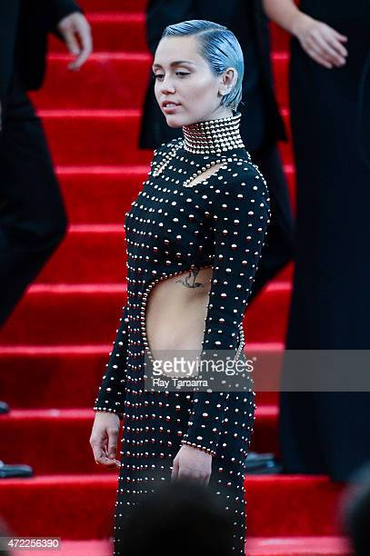 Singer Miley Cyrus enters the Metropolitan Museum of Art on May 4 2015 in New York City