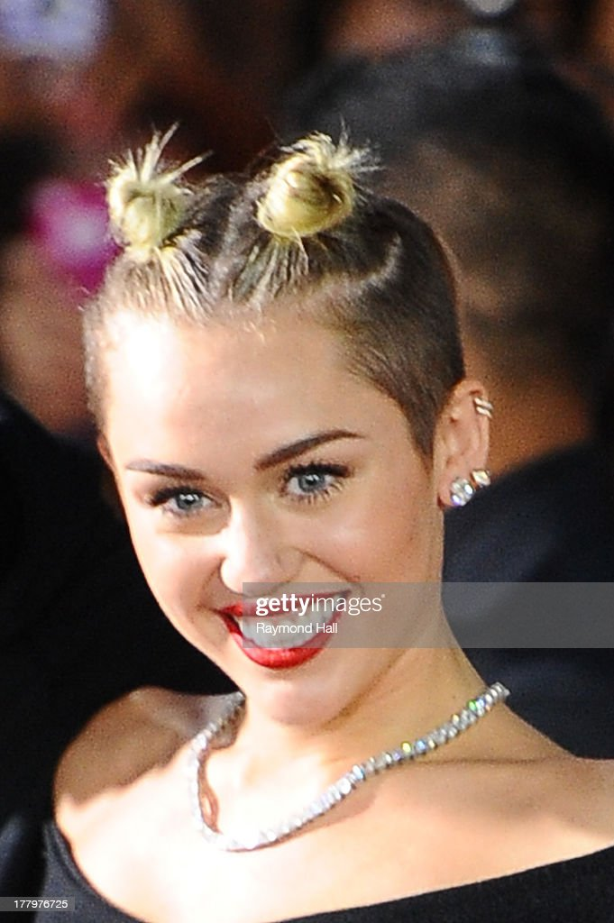 Singer <a gi-track='captionPersonalityLinkClicked' href=/galleries/search?phrase=Miley+Cyrus&family=editorial&specificpeople=3973523 ng-click='$event.stopPropagation()'>Miley Cyrus</a> is seen at the 'VMA' on August 25, 2013 in New York City.