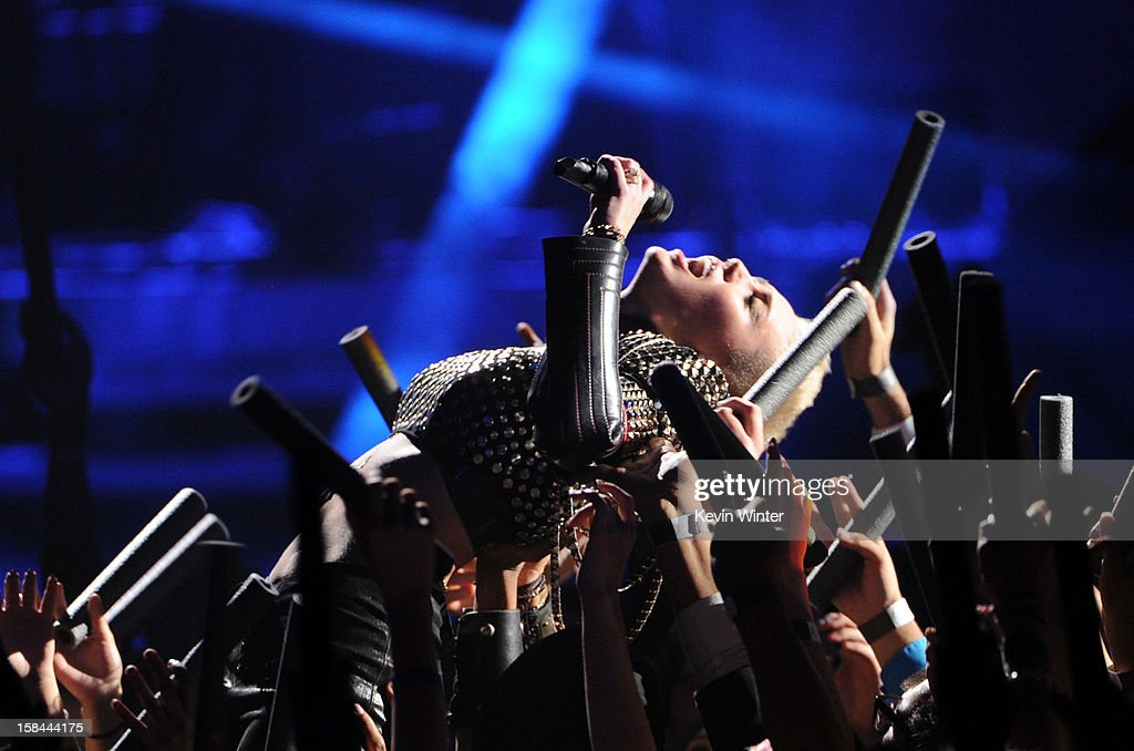 Singer Miley Cyrus performs onstage during 'VH1 Divas' 2012 at The Shrine Auditorium on December 16, 2012 in Los Angeles, California.