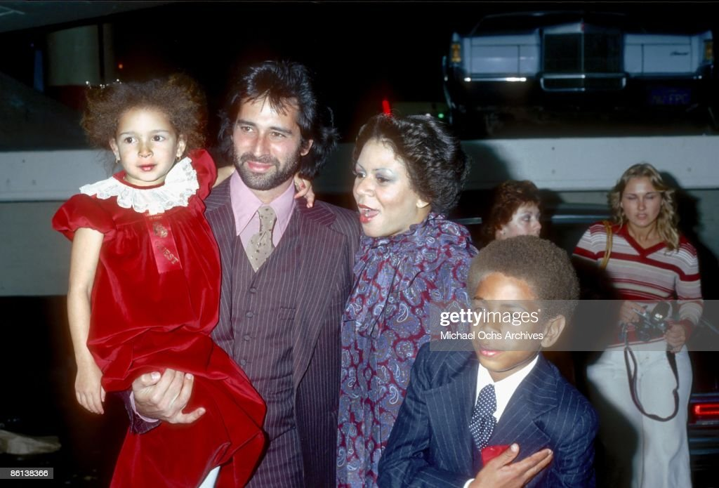 Singer Minnie Riperton, her husband Richard Rudolph and children Maya Rudolph and Marc Rudolph attend the Hollywood Christmas Parade in December 1978 in Los Angeles, California.