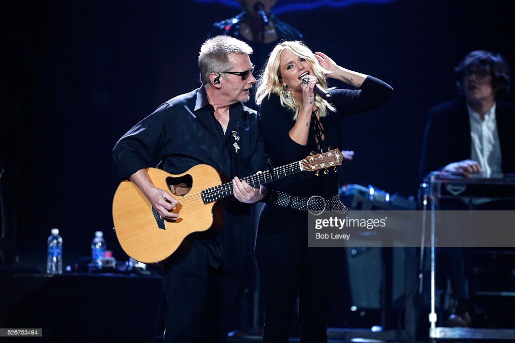 Singer Miranda Lambert (R) and Scotty Wray perform onstage during the 2016 iHeartCountry Festival at The Frank Erwin Center on April 30, 2016 in Austin, Texas.