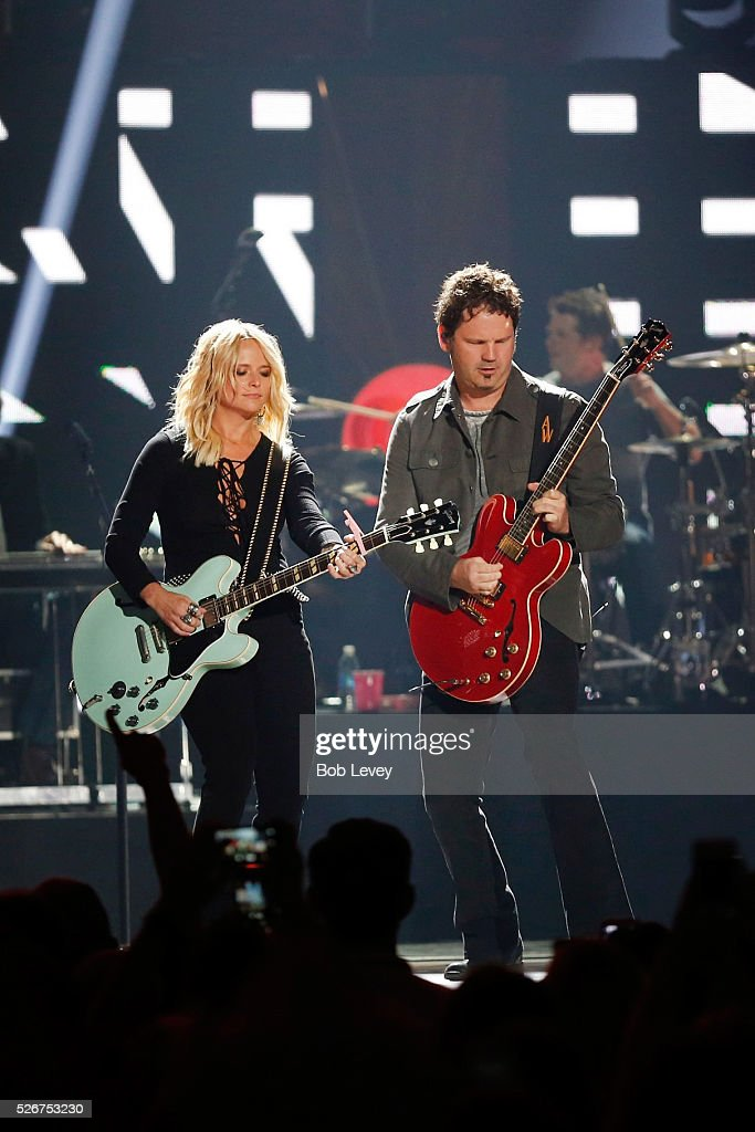 Singer Miranda Lambert (L) performs onstage during the 2016 iHeartCountry Festival at The Frank Erwin Center on April 30, 2016 in Austin, Texas.