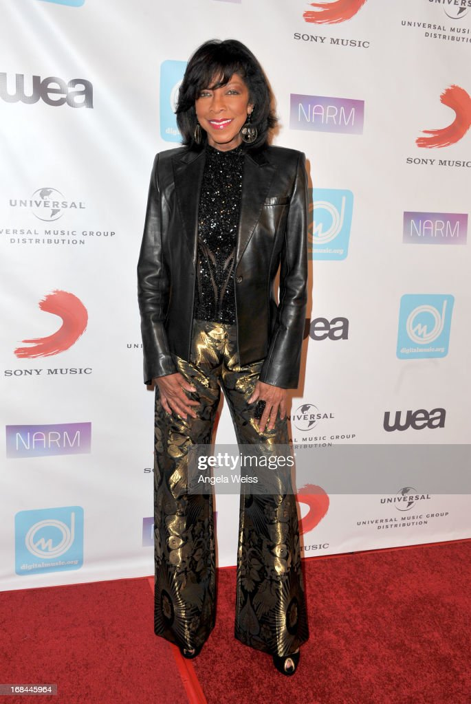Singer <a gi-track='captionPersonalityLinkClicked' href=/galleries/search?phrase=Natalie+Cole&family=editorial&specificpeople=201839 ng-click='$event.stopPropagation()'>Natalie Cole</a> attends the 2013 Music Biz Awards presented by NARM and digitalmusic.org at the Hyatt Regency Century Plaza on May 9, 2013 in Century City, California.