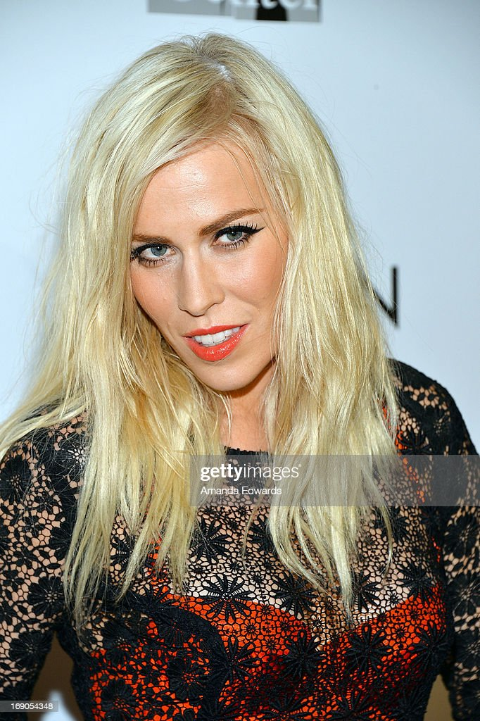 Singer <a gi-track='captionPersonalityLinkClicked' href=/galleries/search?phrase=Natasha+Bedingfield&family=editorial&specificpeople=171728 ng-click='$event.stopPropagation()'>Natasha Bedingfield</a> arrives at the L.A. Gay & Lesbian Center's 2013 'An Evening With Women' Gala at The Beverly Hilton Hotel on May 18, 2013 in Beverly Hills, California.