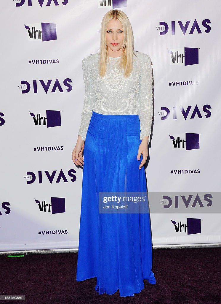 Singer <a gi-track='captionPersonalityLinkClicked' href=/galleries/search?phrase=Natasha+Bedingfield&family=editorial&specificpeople=171728 ng-click='$event.stopPropagation()'>Natasha Bedingfield</a> arrives at the 'VH1 Divas' 2012 at The Shrine Auditorium on December 16, 2012 in Los Angeles, California.