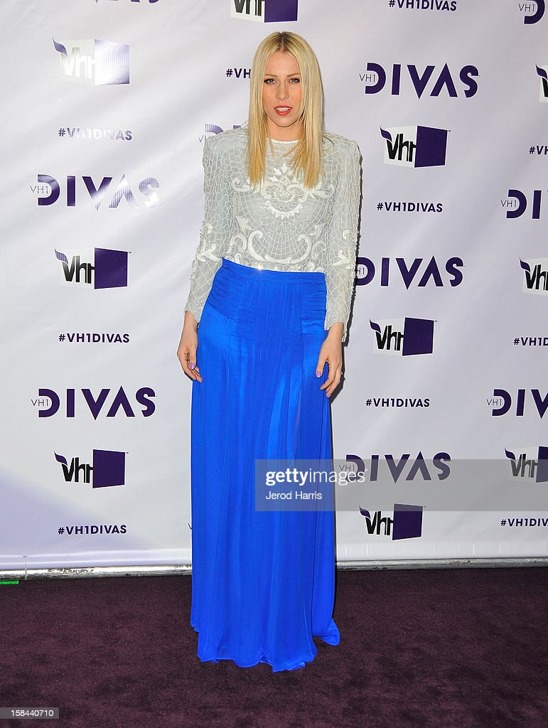 Singer <a gi-track='captionPersonalityLinkClicked' href=/galleries/search?phrase=Natasha+Bedingfield&family=editorial&specificpeople=171728 ng-click='$event.stopPropagation()'>Natasha Bedingfield</a> arrives at 'VH1 Divas' 2012 held at The Shrine Auditorium on December 16, 2012 in Los Angeles, California.
