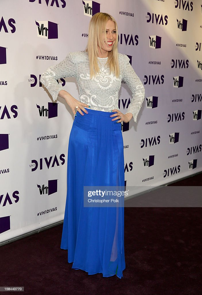 Singer <a gi-track='captionPersonalityLinkClicked' href=/galleries/search?phrase=Natasha+Bedingfield&family=editorial&specificpeople=171728 ng-click='$event.stopPropagation()'>Natasha Bedingfield</a> attends 'VH1 Divas' 2012 at The Shrine Auditorium on December 16, 2012 in Los Angeles, California.