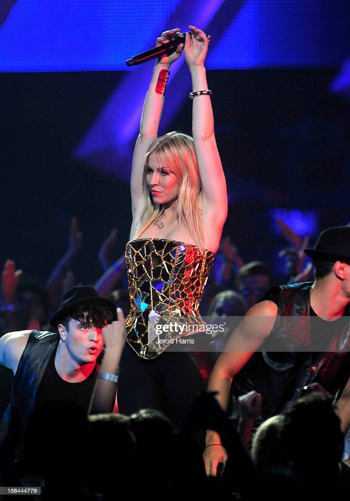 Singer Natasha Bedingfield performs onstage at 'VH1 Divas' 2012 held at The Shrine Auditorium on December 16, 2012 in Los Angeles, California.